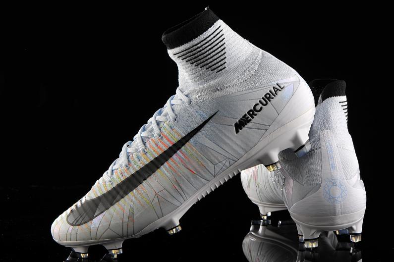 intencional Faringe gatear  Nike Mercurial Superfly V FG CR7 852511-401 | R-GOL.com - Football boots &  equipment