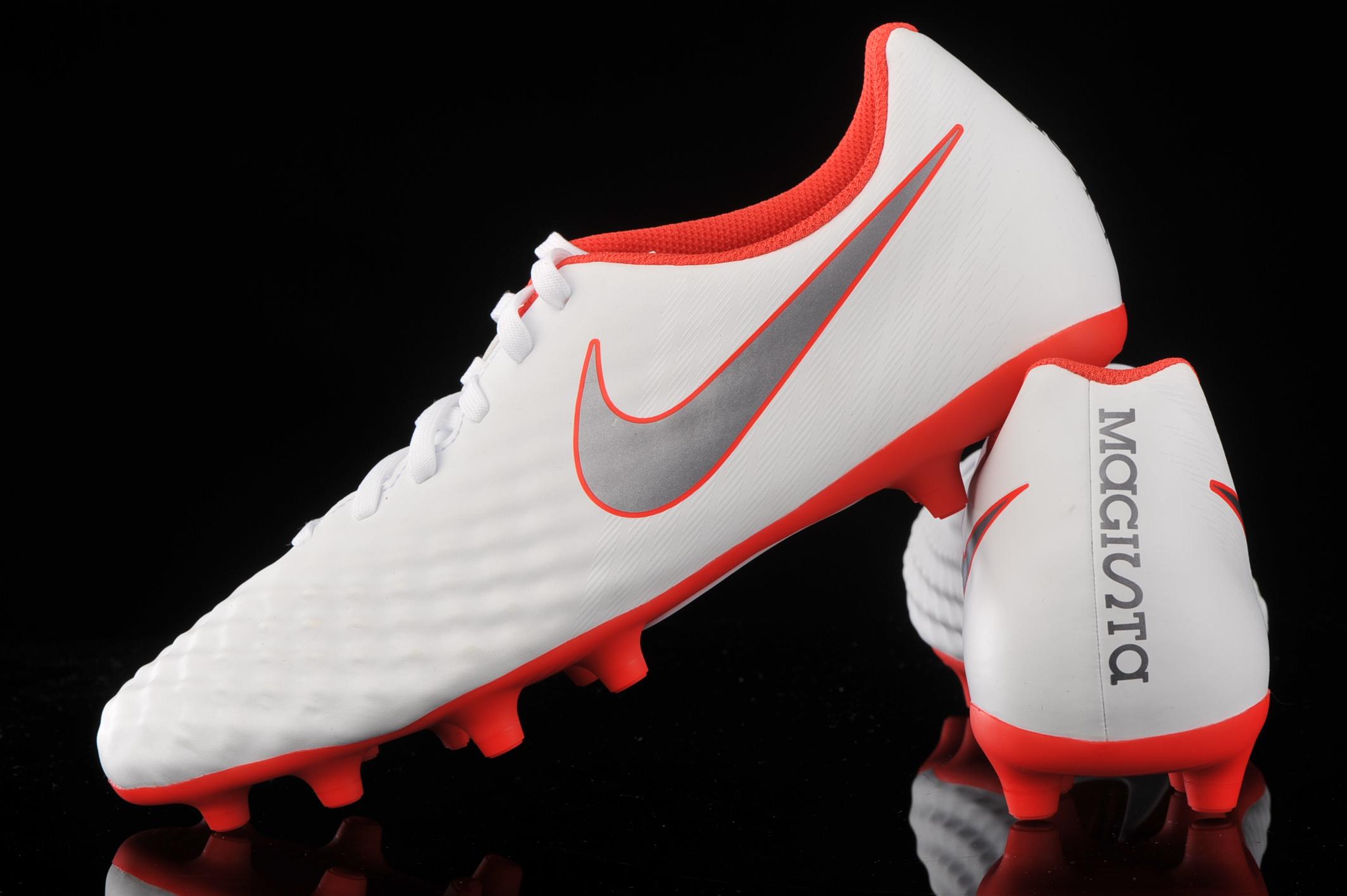 attrezzo sezione Osservazione  Nike Magista Obra 2 Club FG AH7302-107 | R-GOL.com - Football boots &  equipment