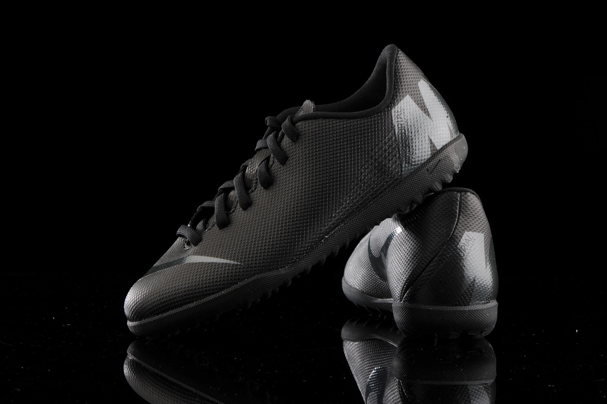 capa Mimar Ensangrentado  Nike Vapor 12 Club GS TF Junior AH7355-001   R-GOL.com - Football boots &  equipment
