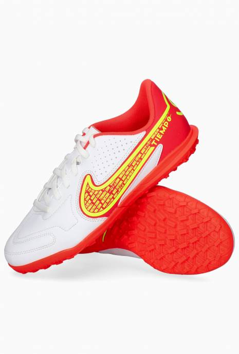 Turfy Nike Legend 9 Club TF Junior