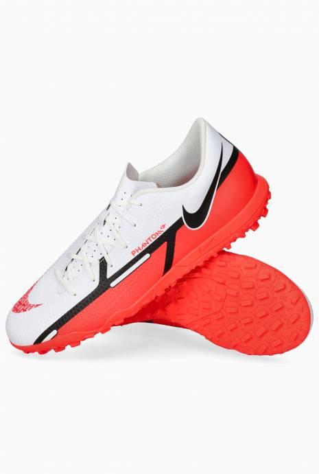 Turfy Nike Phantom GT2 Club TF