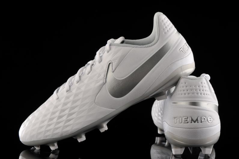 equilibrado esquina escribir una carta  Nike Tiempo Legend 8 Academy FG/MG Junior AT5732-100 | R-GOL.com - Football  boots & equipment