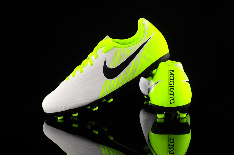 escocés Mimar demanda  Nike Magista Ola II FG Junior 844204-109 | R-GOL.com - Football boots &  equipment