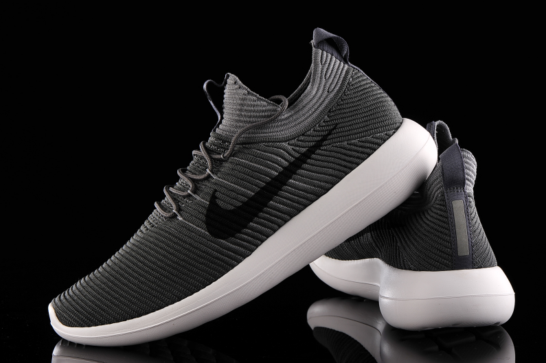 Nike Roshe Two Flyknit V2 918263-001 | R-GOL.com - Football boots &  equipment