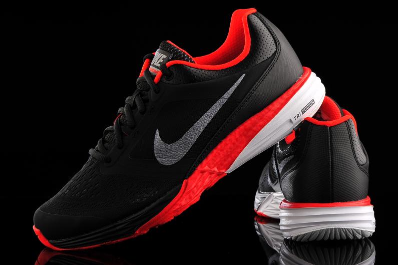 Nike Tri Fusion Run 749170-010 | R-GOL