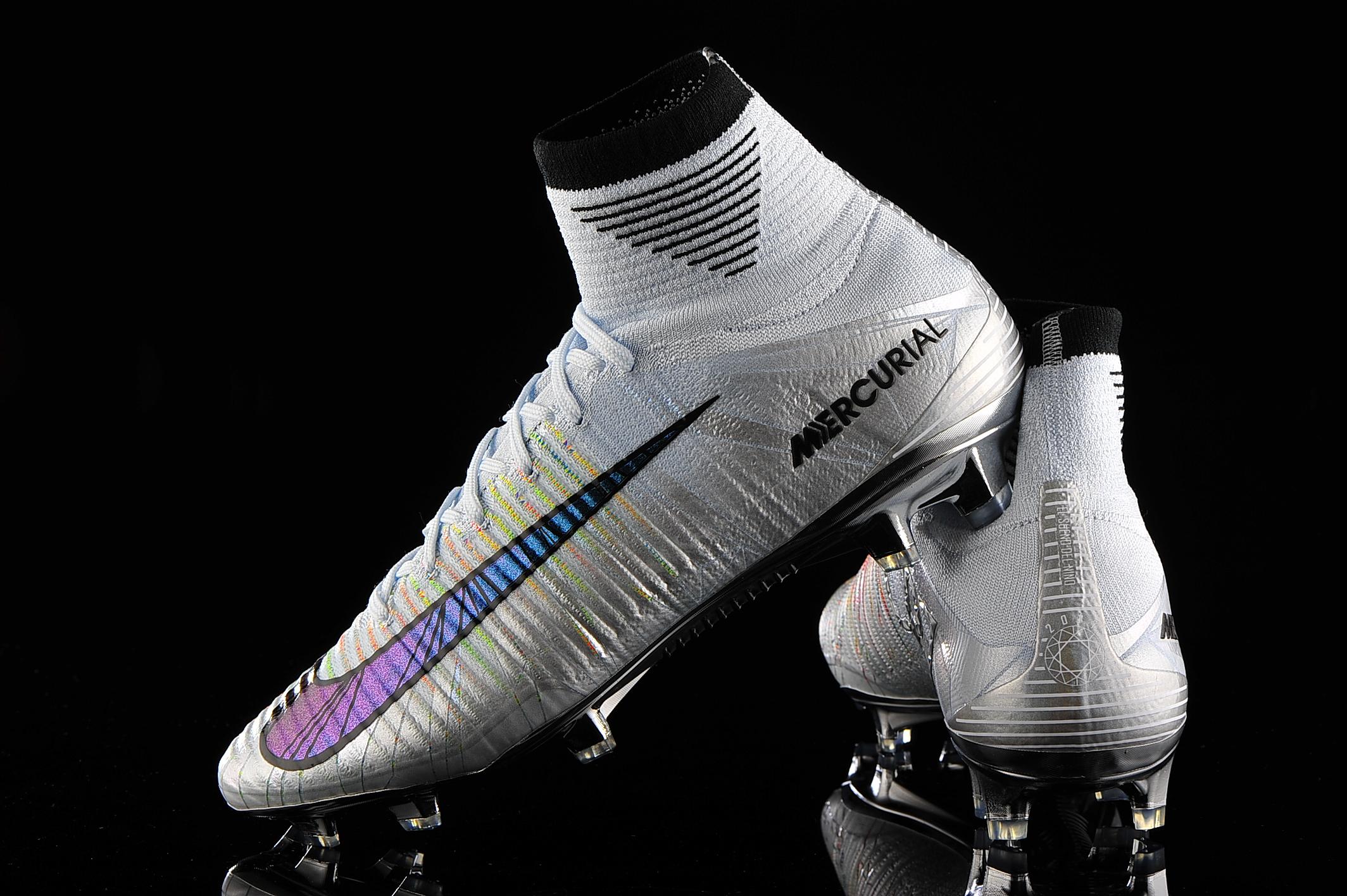 Nike CR7 Vapor 12 Academy Multi Ground Mens Soccer Cleat