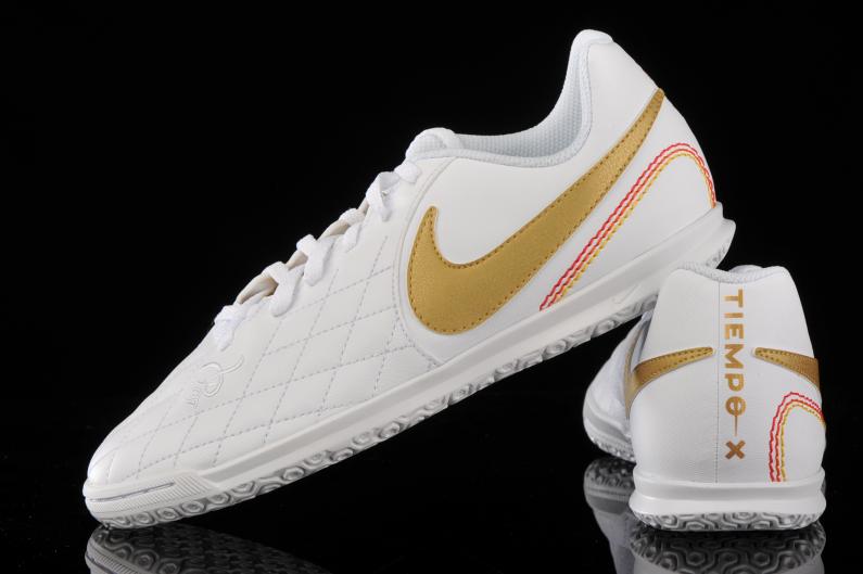 máquina Anotar Tienda  Nike Legend 7 Club 10R IC Junior AQ3829-171 | R-GOL.com - Football boots &  equipment